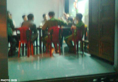 Công an làm việc, hạch xách Hòa thượng Thích Thanh Quang cho đến khuya tại chùa Giác Minh – Đà Nẵng