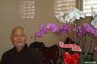 Ảnh chụp Đức Tăng Thống Thích Quảng Độ tại Thanh Minh Thiền Viện, Saigon, ngày mồng Một Tết Nhâm Thìn, 2012 - Ảnh IBIB