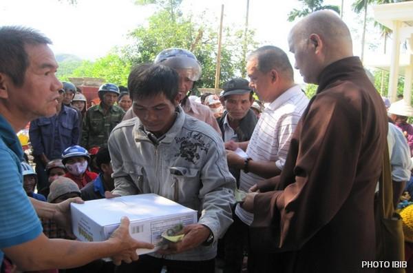 Cứu trợ tại Xã Trà Tập, Huyện Nam Trà Mi, Tỉnh Quảng Nam