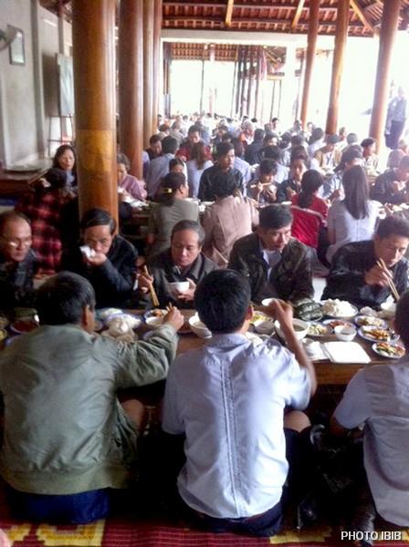 Buổi thọ trai thân mật tại Tu viện Long Quang, Huế