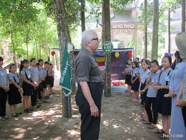Huynh trưởng Lê Công Cầu thăm trại