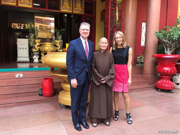 Ambassador Daniel Kritenbrink, Most Venerable Thích Quảng Độ and US Consul General Mary Tarnowka