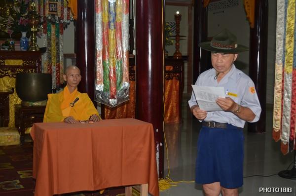 Htr Nguyễn Văn Liêu đọc Quyết Định thọ Cấp Tập cho các khoá sinh A Dục tại Tu viện Long Quang, Huế