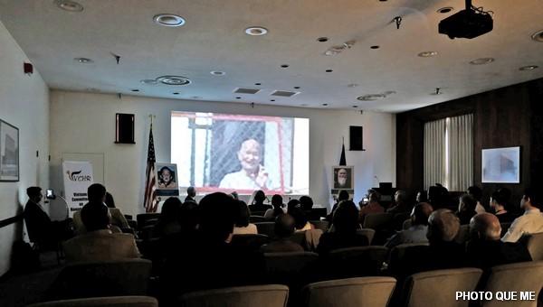 Thông điệp của Đức Tăng Thống Thích Quảng Độ phát âm trên màn ảnh, hội trường xúc động lắng nghe