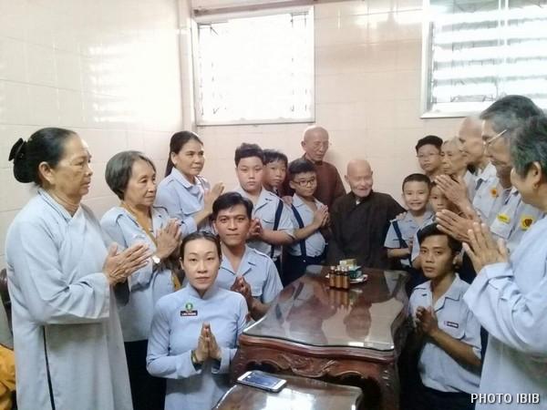 Phái đoàn Khánh Hoà cung chúc Đức Tăng Thống