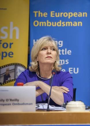 Bà Emily O'Reilly, Thanh tra Liên Âu (© European Union)