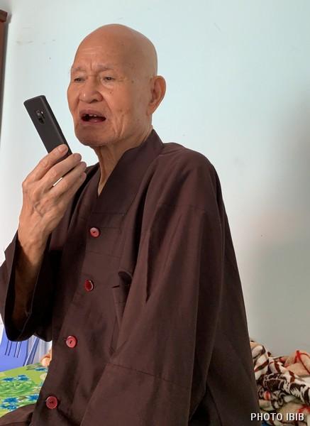 Đức Tăng Thống gọi điện sang Phòng Thông tin Phật giáo Quốc tế hôm chủ nhật 25.11.2018 – Hình IBIB