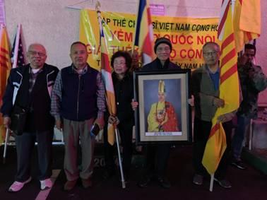 California Thắp Nến cho Dân tộc Việt Nam và Đức Tăng Thống Thích Quảng Độ