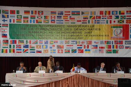 Tổng thống Mali khai mạc Hội nghị lần IV các Ngoại trưởng thuộc Cộng đồng các Quốc gia dân chủ từ 14 đến 17.11.2007 tại thủ đô Bamako