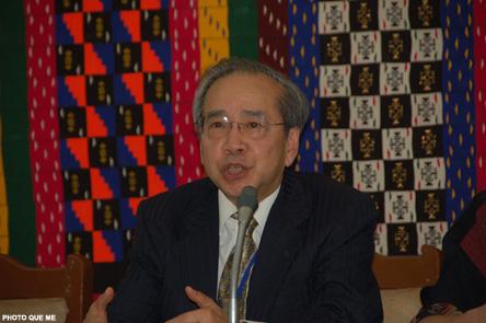 Ô. Võ Văn Ái thuyết trình tại khóa hội thảo Á châu với các Ngoại trưởng