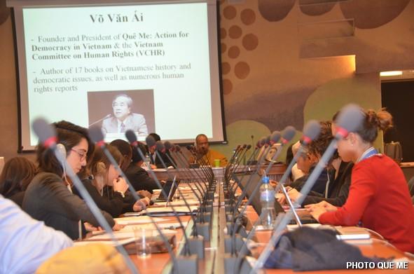 Các Phái đoàn Chính phủ chăm chú theo dõi tại Hội trường LHQ