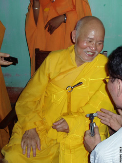 Venerable Thich Quang Do in Nguyen Thieu Monastery (Binh Dinh) (11 July 2008)