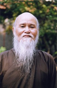 Thich Quang Do on the day of his release from prison in 1998