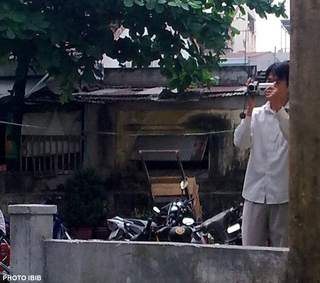 Trong mọi cuộc sách nhiễu, trấn áp trước chùa Giác Minh, công an luôn quay hình lưu trữ