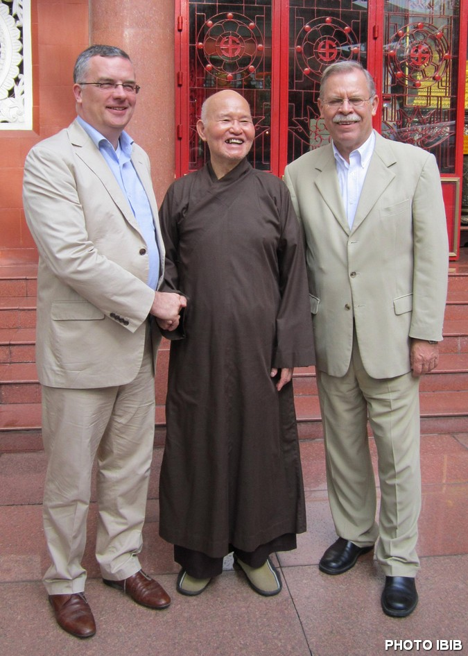 German Human Rights Commissioner Mr. Markus Löning, UBCV Patriarch Thich Quang Do and German Consul General Mr. Conrad Cappell, Photo IBIB
