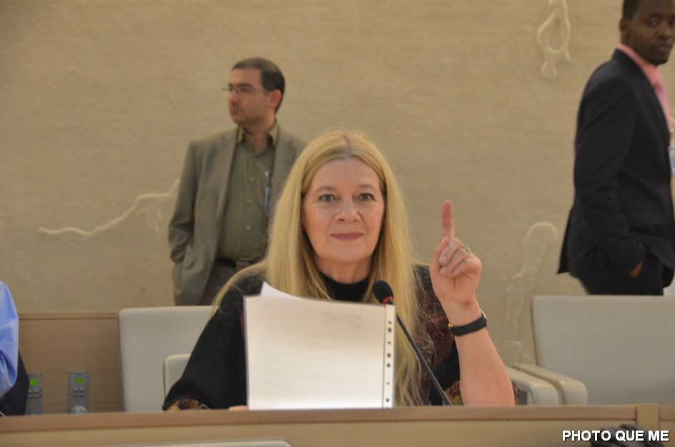 Penelope Faulkner speaking at the UN Human Rights Council, 8 March 2013 – Photo QUE ME