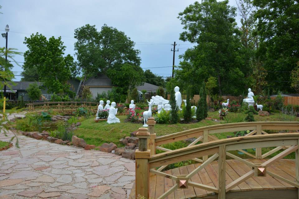 Khu vườn Phật cảnh trong khuôn viên chùa Pháp Luân nơi sẽ tôn trí Đất Thiêng lấy từ Tứ Động tâm ở Ấn Độ mang về