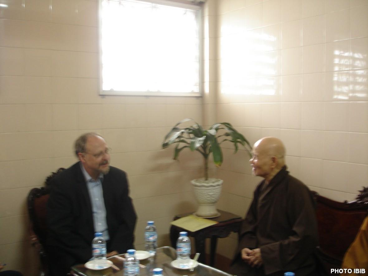 Le Rapporteur spécial Heiner Bielefeldt rencontre Thich Quang Do à Saigon