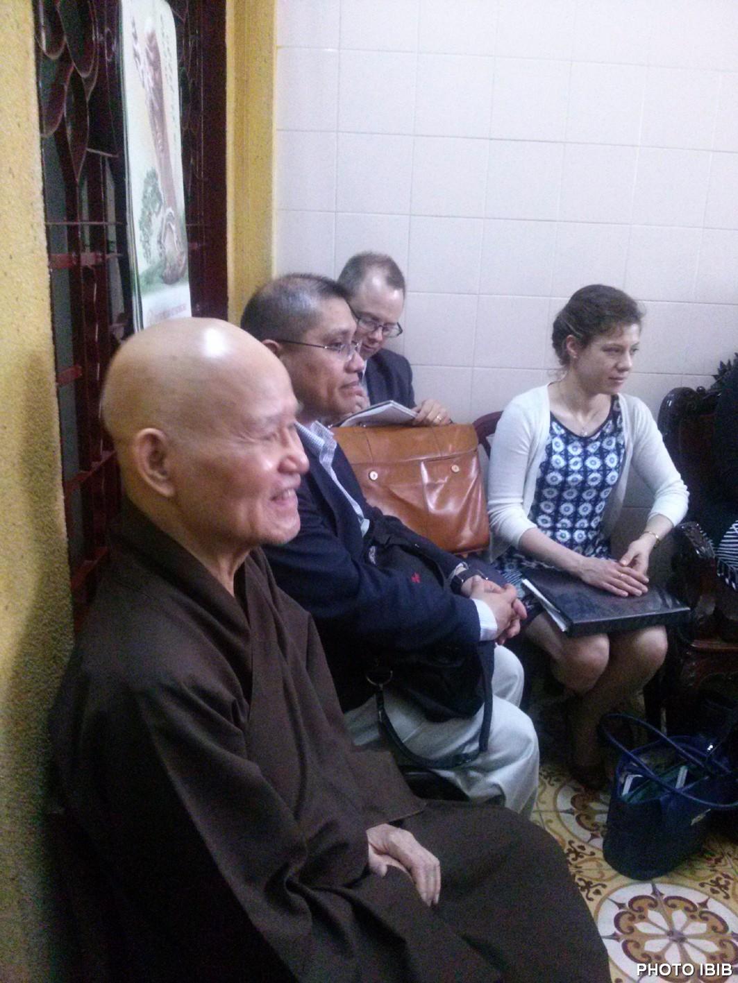 Đức Tăng Thống Thích Quảng Độ tại cuộc gặp gỡ Phái đoàn Quốc hội Hoa Kỳ ở Thanh Minh Thiền Viện