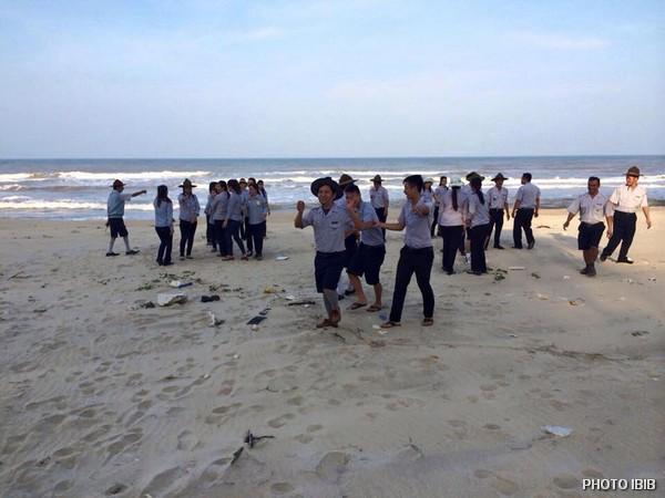 Liên Trại Lộc Uyển và A Dục, Huyện Phú Vang, Trò chơi trên bãi biển