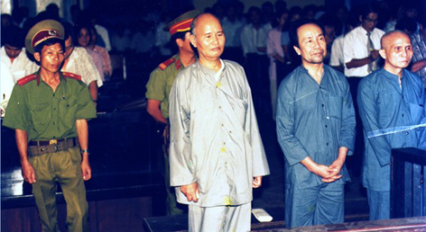Thích Quảng Độ at his trial in 1995: he was condemned to 5 years in prison for organizing a rescue mission for flood victims in the Mekong Delta