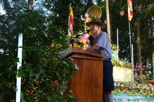 Huynh trưởng Hoàng Như Đạt tuyên đọc Chương trình Đại lễ